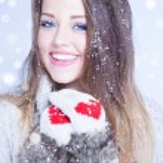 Woman wearing winter hat — Stock Photo #62531627