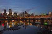 Portland Oregon in a blue hour lights. — Стоковое фото