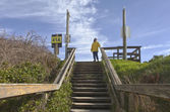 Pedestrian stairway to the beach. — Stock Photo