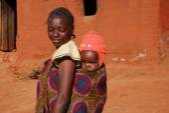 A mom and her baby - Pomerini - Tanzania - Africa — Stock Photo