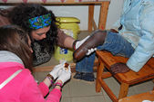 Medical intervention to a mutilated boy-Village Pomerini-Tanzani — Stock Photo