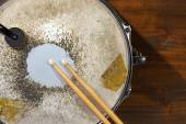 Old Metal Snare Drum with Drumsticks — Stock Photo
