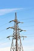 Hoogspanning elektrische lijn — Stockfoto