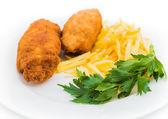 Kip Kiev met geroosterde aardappelen 1 — Stockfoto