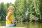 Fischen im sommer — Stockfoto