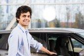 Compra de carro — Fotografia Stock