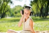 Girl musique bénéficiant — Photo