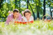 Date in park — Stock Photo