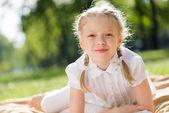 Girl enjoying summertime — Stock fotografie