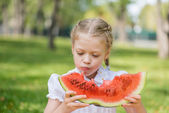 Kid with watermelon slice — Stockfoto