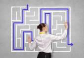 Geschäftsfrau beim suchen lösung! — Stockfoto