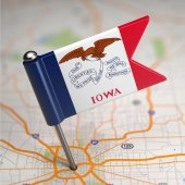 Iowa Small Flag on a Map Background. — Stock Photo