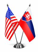 USA and Slovakia - Miniature Flags. — Stockfoto