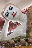 Chauk Htat Gyi yatan Buda — Stok fotoğraf