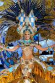 TENERIFE, FEBRUARY 11: Great choice for the Queen of Carnival — Stock Photo