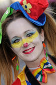 TENERIFE, FEBRUARY 17: Carnival groups and costumed characters — 图库照片