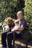 Man barn och hund — Stockfoto