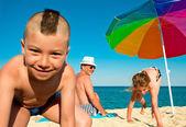 Vacation sea fun grandfather children — Stock Photo
