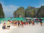 Mass tourism in Thailand — Stock Photo