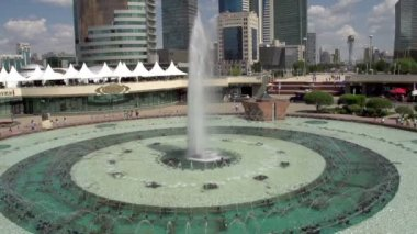 Big beautiful fountain — Stock Video