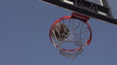 Successful Throw Basketball. — Stock Video