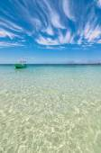 Tropical sea and boat in Isla Mujeres — Foto Stock