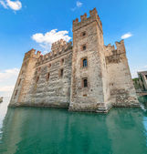 Sirmione castle on Lake Garda, Italy — Stock Photo