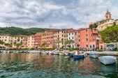 La petite ville de Fezzano et harbor près de Portovenere, Ligurie, Italie — Photo