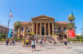 Famous opera house Teatro Massimo in Palermo, Sicily, Italy — Stock Photo
