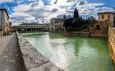 Bagno Vignoni medieval village in Tuscany — Stock Photo