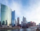 Centrum chicago river — Zdjęcie stockowe