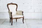 Krzesło Retro biały — Zdjęcie stockowe