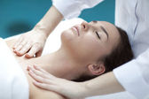 Woman makes massage — Stockfoto