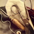 Постер, плакат: Old scissors and awl