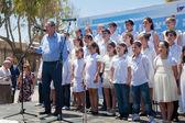The children chorus prepares to sing — Stock Photo