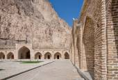 Old building of the caravanserai in the Middle East — Foto de Stock