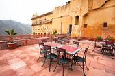 Vintage furniture in rooftop cafe in India — Zdjęcie stockowe
