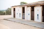 Modern horse stables from the outside. — Fotografia Stock