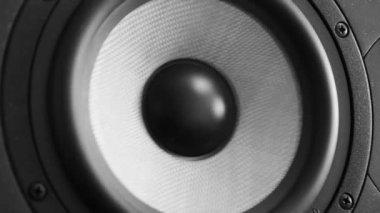 Profesyonel müzik stüdyo monitör taşıma. Yakın çekim. — Stok video