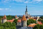 Summer view of old city. Estonia, Tallinn. — Stock Photo