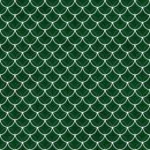 Green and White Shells with Interlocking Circles Tiles Pattern R — Stock Photo