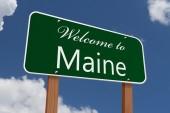 Welcome to Maine Road Sign — Stock Photo