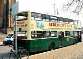 Bus de tournée à berlin — Photo