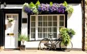 Wiejski domek — Zdjęcie stockowe