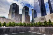 911 Memorial Pool Fountain Waterfall Skyscrapers New York NY — Stock Photo