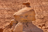 Mushroon Shaped Hoodoo with Chimney Goblin Valley State Park Roc — Stock Photo