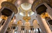 ABU DHABI, UAE, October 4, 2014: Sheikh Zayed Grand Mosque Inter — Foto de Stock