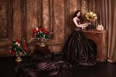 Güzel kadın retro portre — Stok fotoğraf