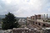 Ruiny kościoła i turystów — Zdjęcie stockowe