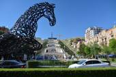 The horse statue in Yerevan — Stock Photo